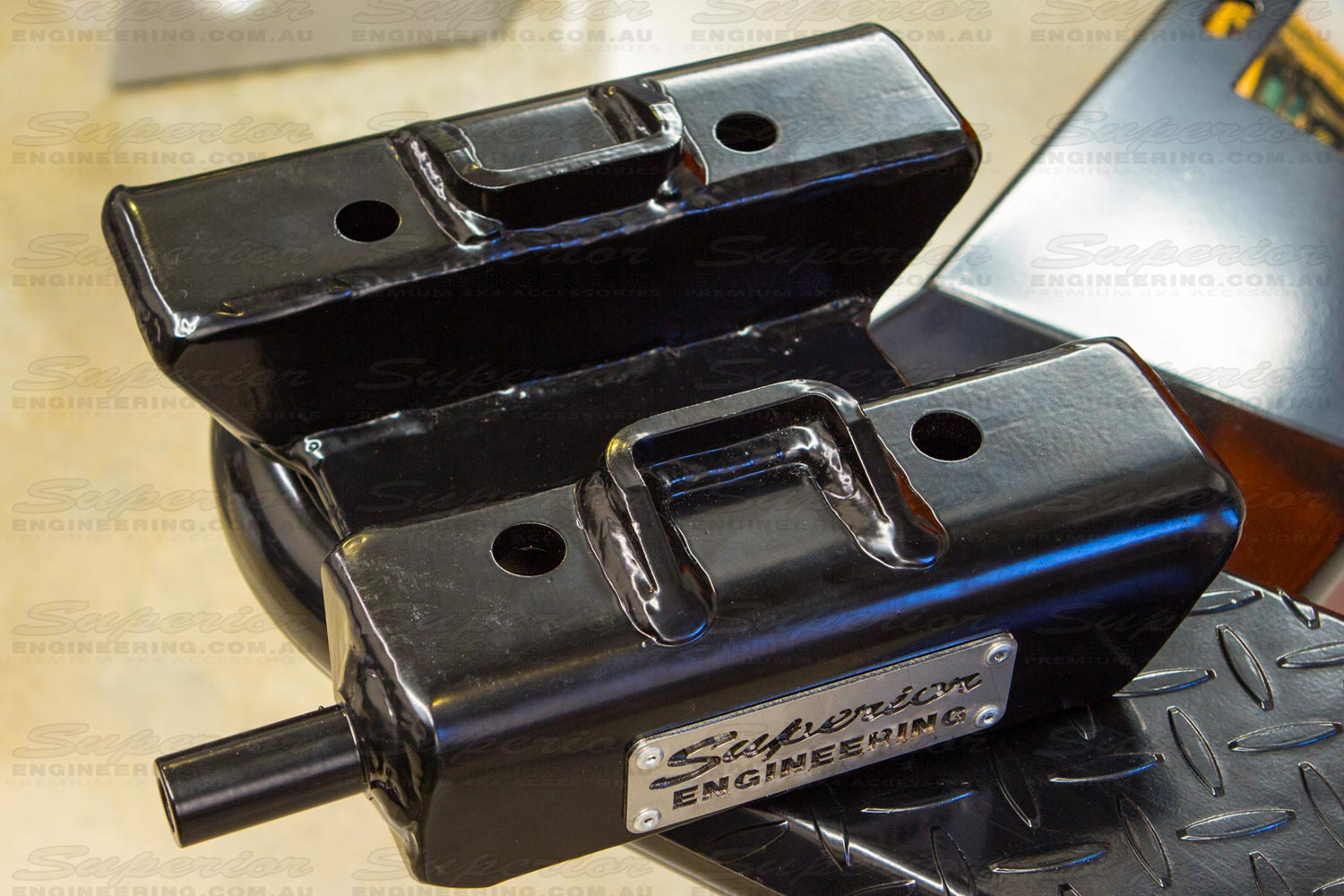 Side angle view of the Superior high clearance u-bolt plate