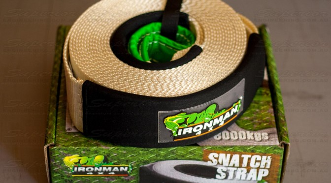 8000 Kilogram heavy duty recovery strap sitting on top of original box