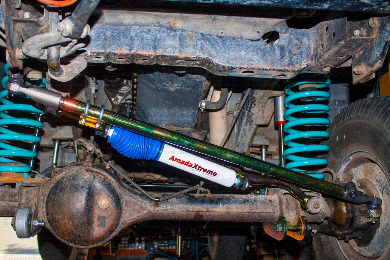 Superior 4340M drag link with steering damper and bracket