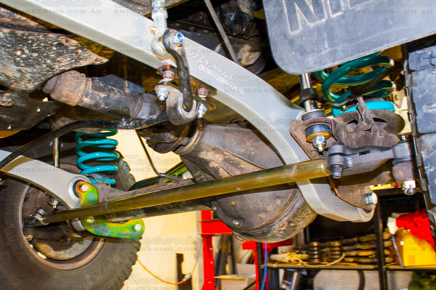 Heavy duty tie rod fitted to the steering system of a 4wd vehicle