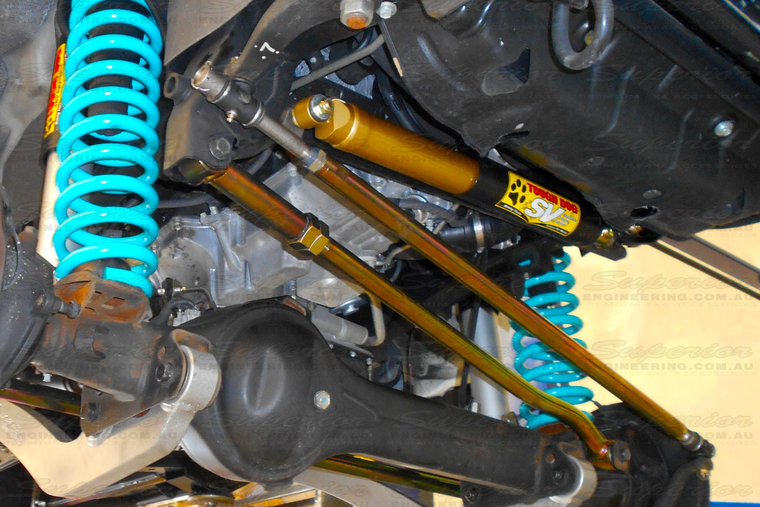 Heavy duty drag link, panhard rod and damper setup